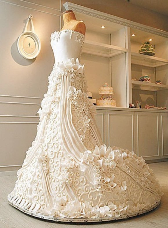 Wedding-Gown-Cake-e1364017382605