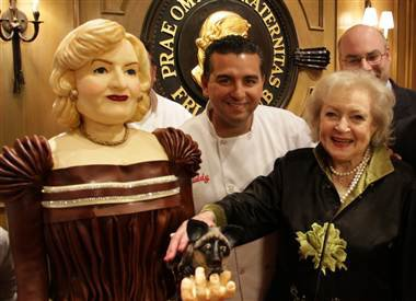 betty-white-treated-to-life-size-cake-of-herself-at-her-roast
